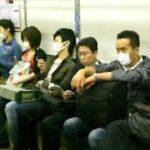 Warum tragen viele Japaner eine weisse Maske ?