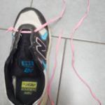 Wissen Sie wie man mit nur einer Hand Schuh binden kann?